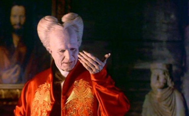 bram stokers dracula book movie comparison